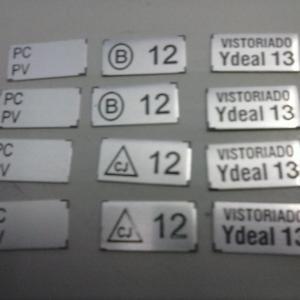 Gravação em placas de metal